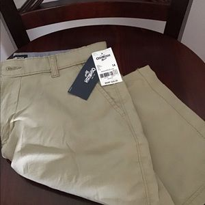 OshKosh - Boys Khaki shorts - Size 14